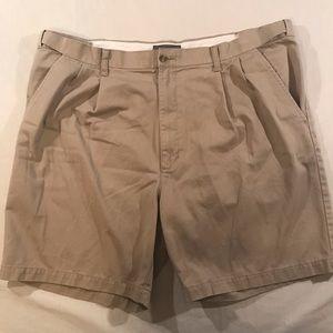 Croft & Borrow Tan shorts Men's size 40